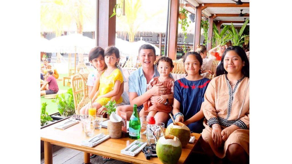 Kisah Pasangan Seleb yang Tak Direstui Orangtua