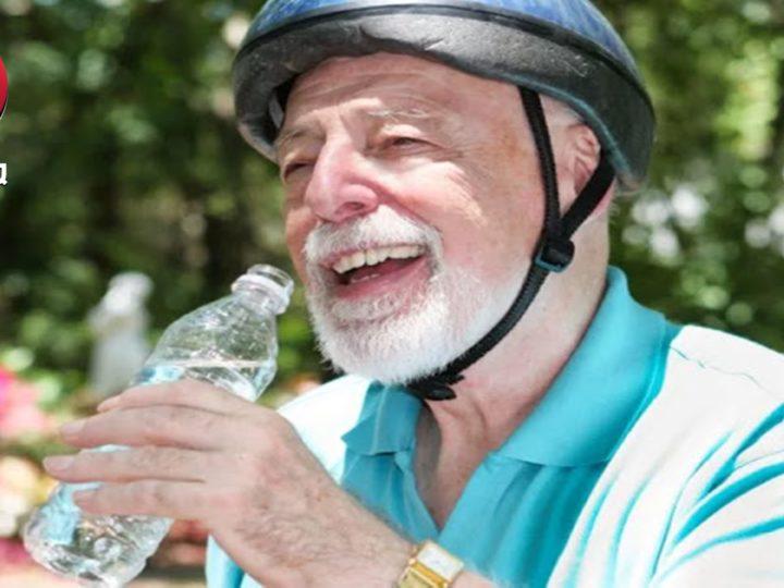 Ini Tanda Tanda Anda Kebanyakan Minum Air Putih