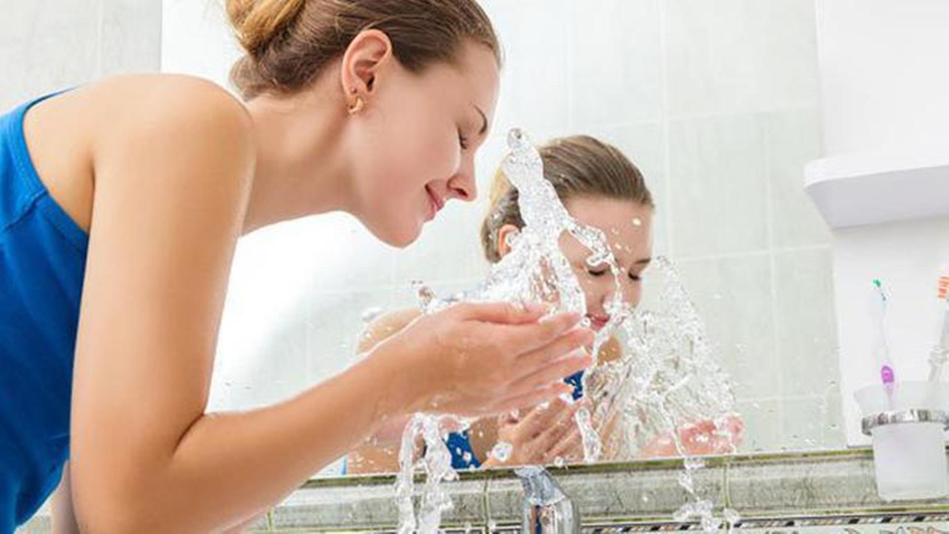 Manfaat Mencuci Wajah Pakai Air Dingin