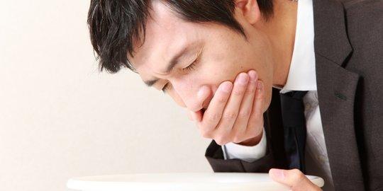 7 Cara Alami Hentikan Naiknya Asam Lambung