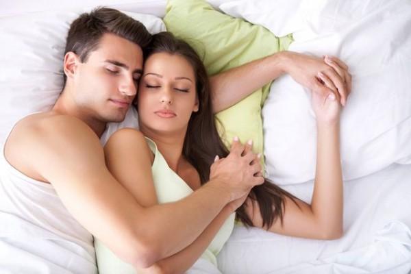 Foreplay Paling Nyaman yang Disukai Wanita, Apa Saja Ya?