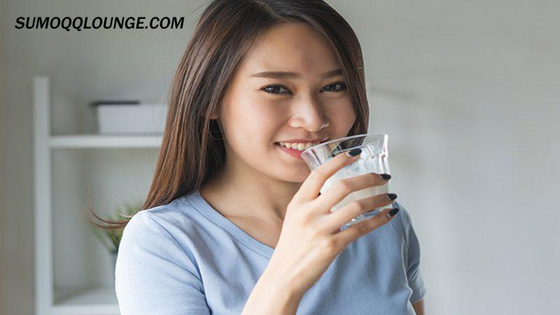 Kenali Manfaat Dan Bahaya Minum Susu Sebelum Tidur
